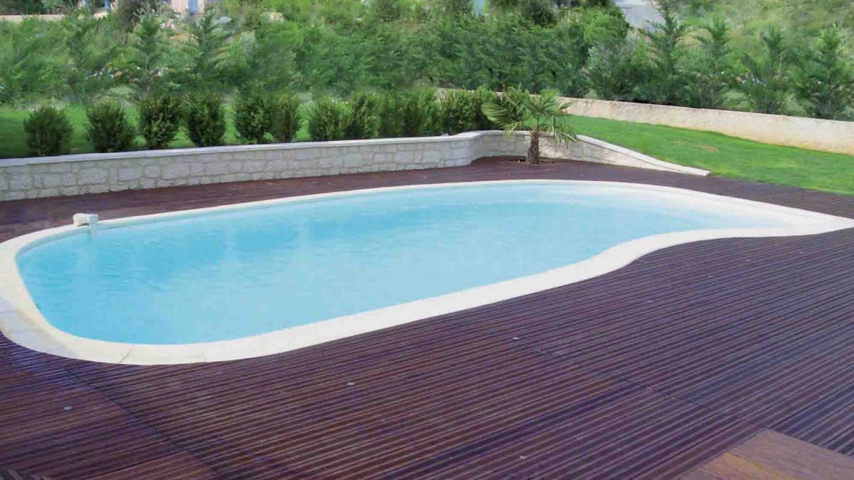 image-installation-piscine-coque-haricot-indre-et-loire-vienne-bella-piscines