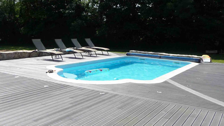 piscine-coque-piscines-polyester